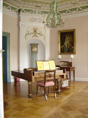 Klavier groß
