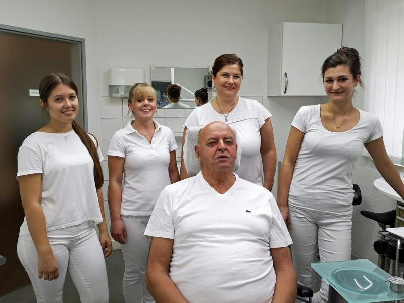 Praxis Schlösser Behandlungsraum
